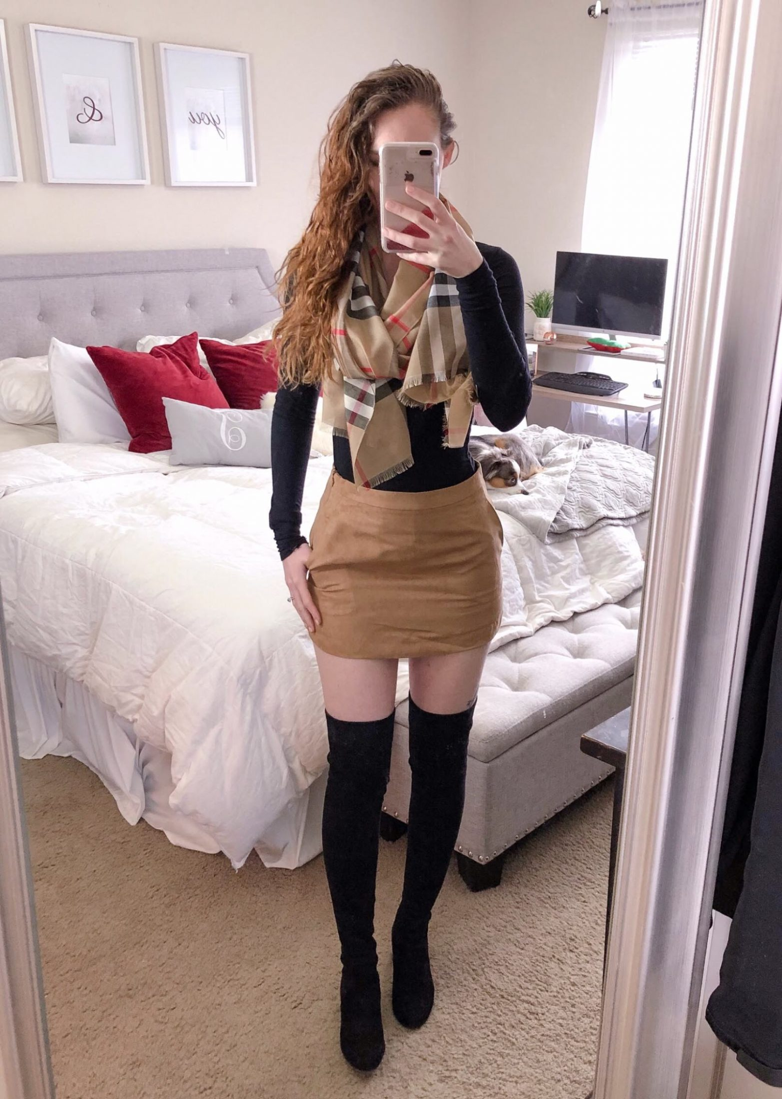 cute suede skirt outfit